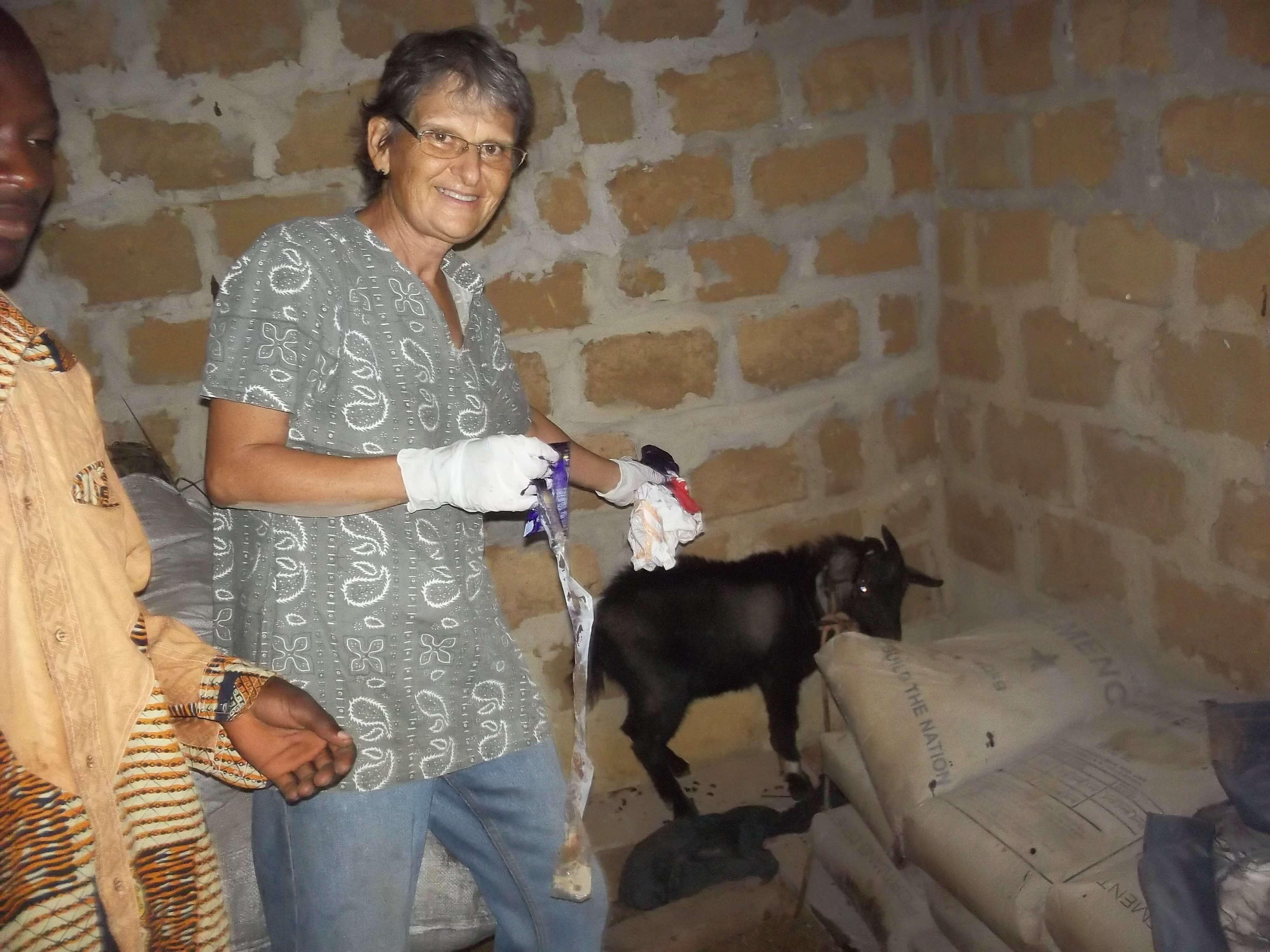 Elle l'ex infirmière joue même au vétérinaire