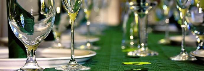 Inviter les gens à la table du Roi