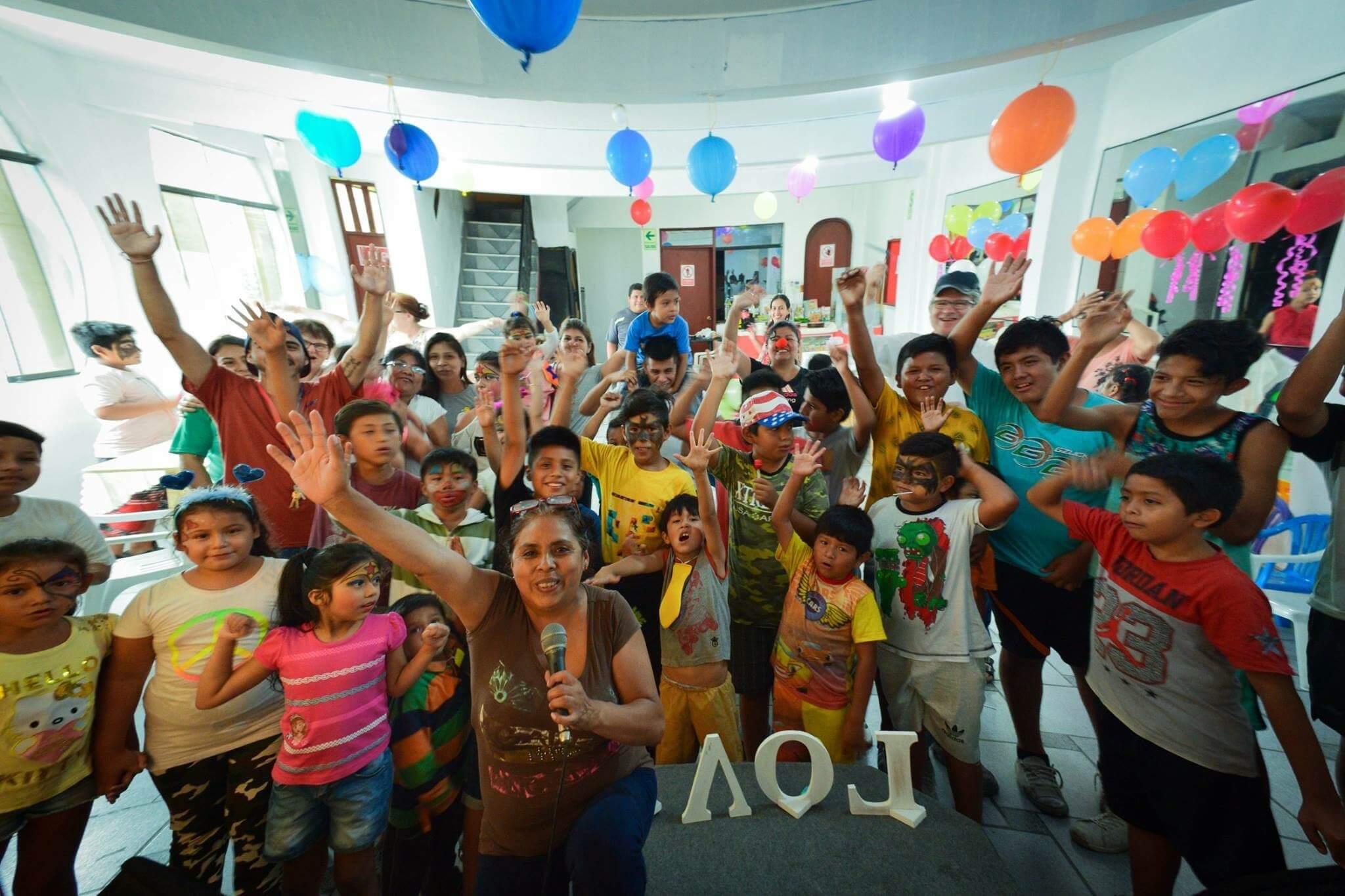 Kid's club à Lima