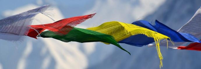 Drapeaux de prière boudhiste au Népal