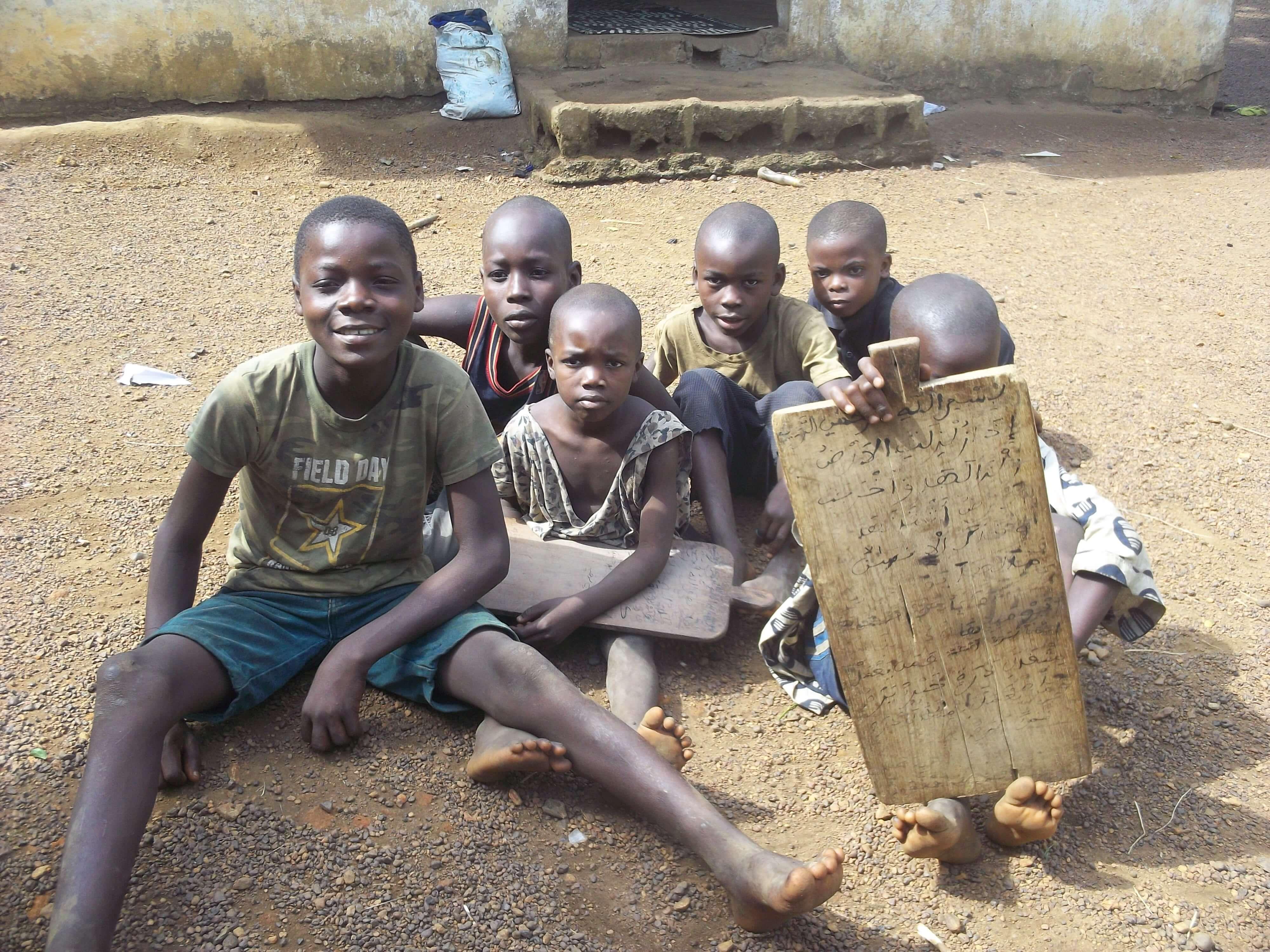 Sur le chemin retour on a croisé les enfants de l'école coranique