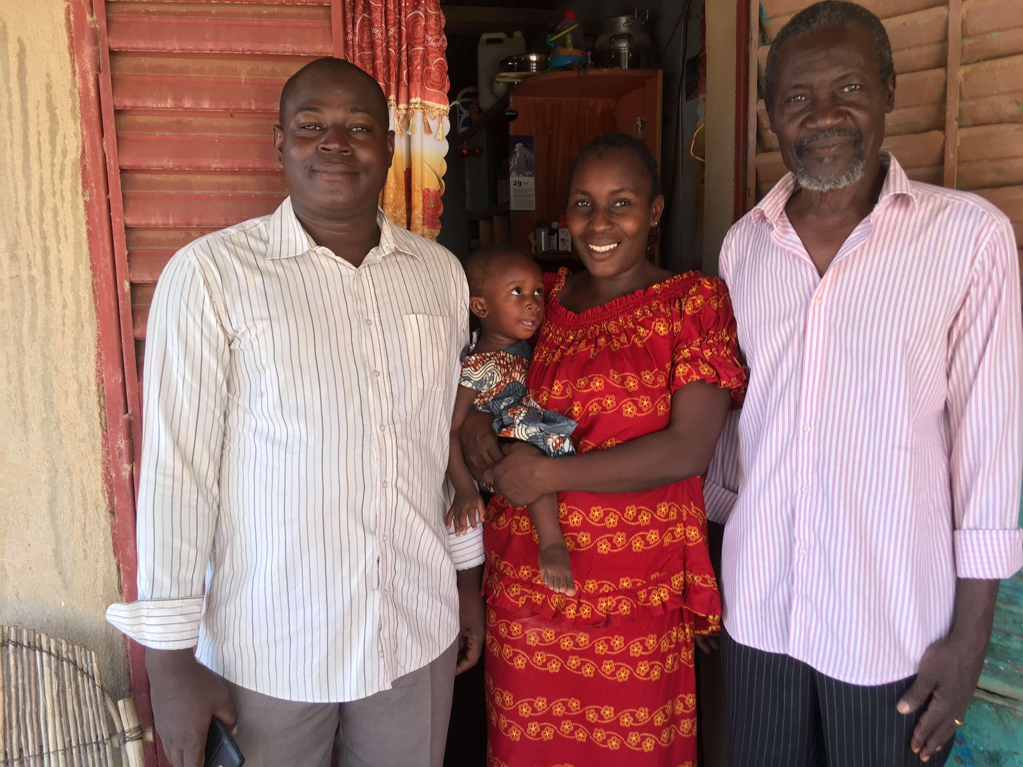 Pasteur André, sa fille Annie et son gendre pasteur Barkwende