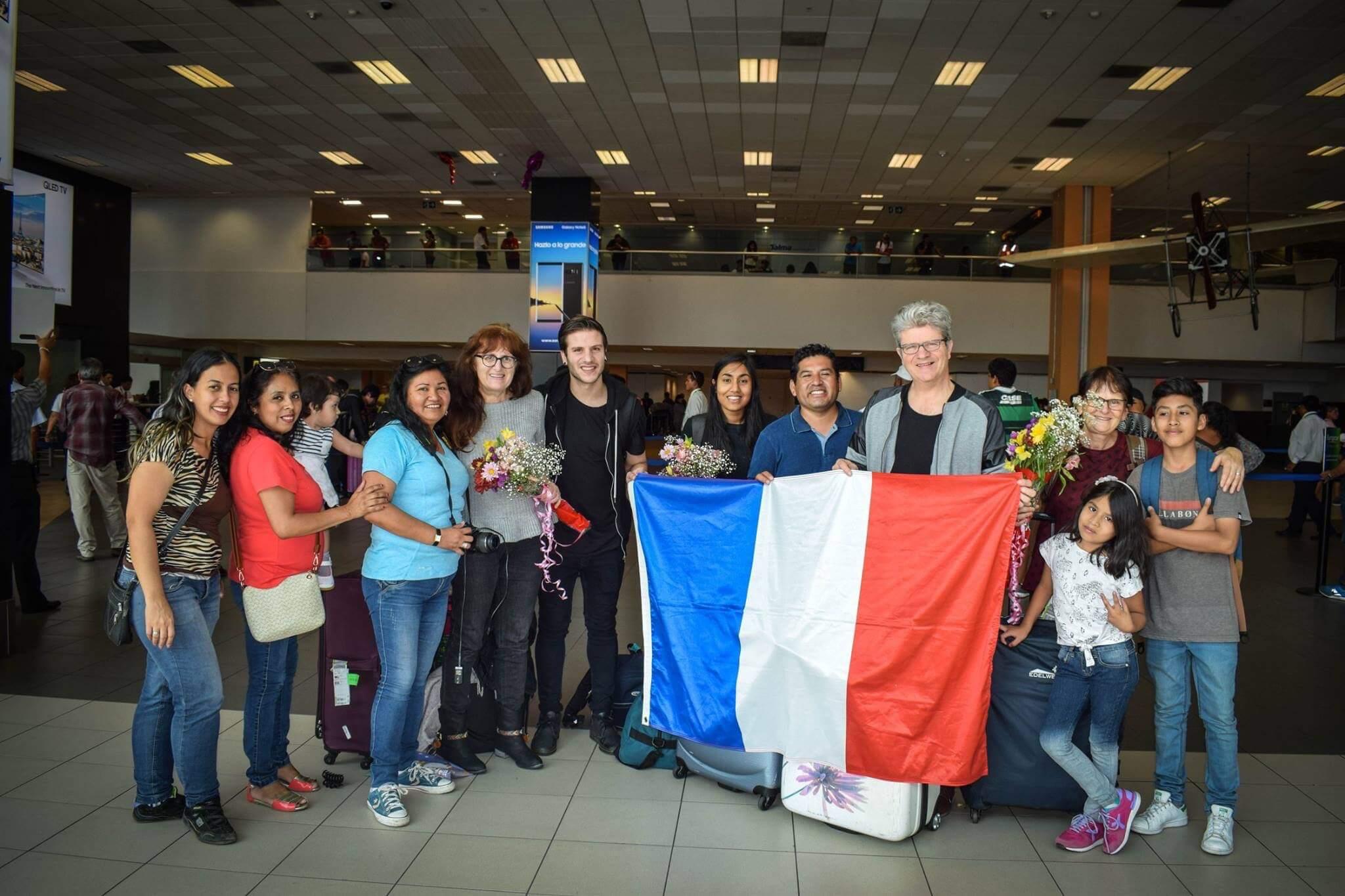 Accueil à l'aéroport de Lima