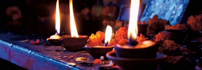 Inde 2014 : offrandes d'encens