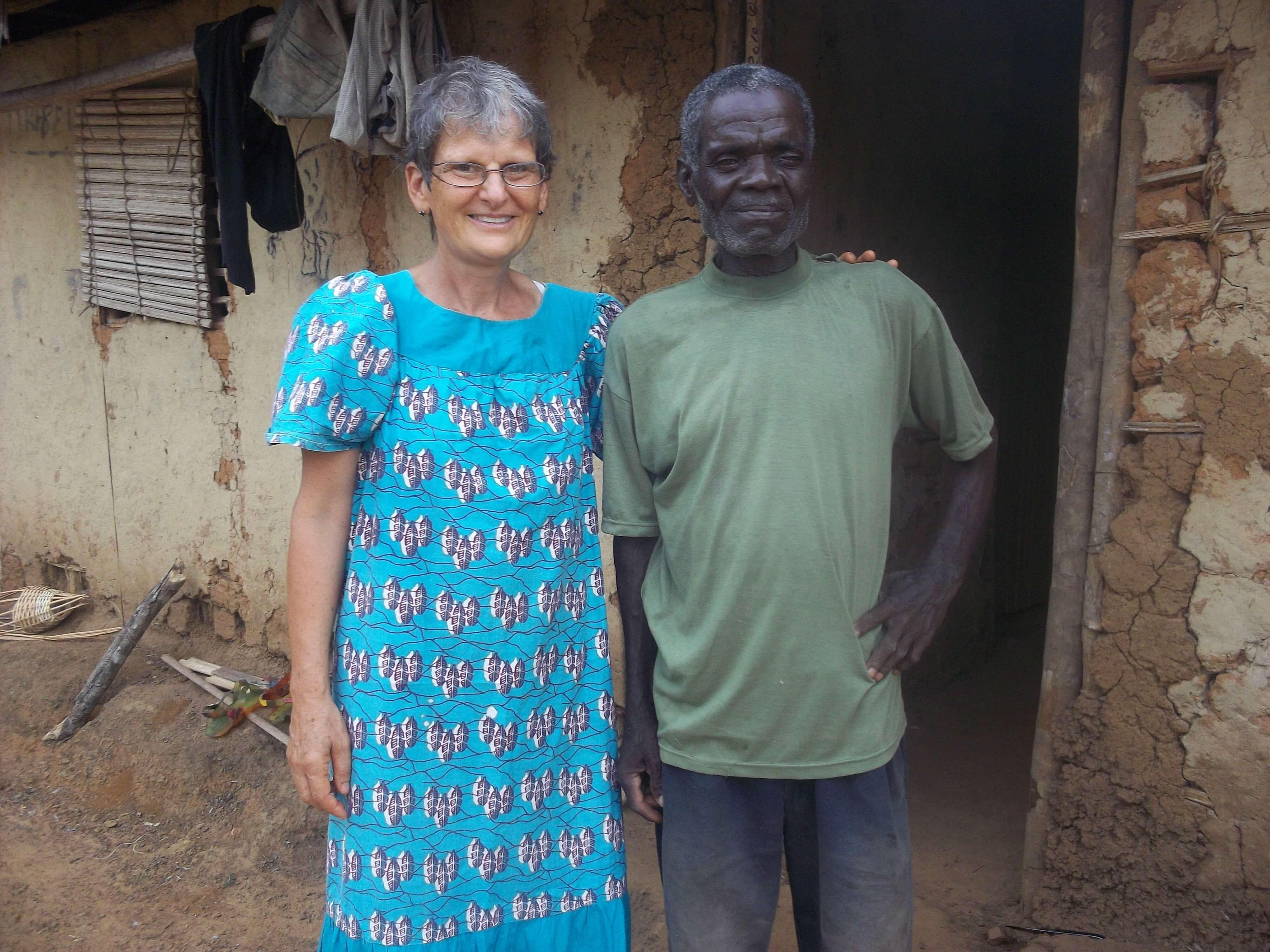 Christine s'en est fait un ami et il est devenu chrétien : on a brûlé tous ses fétiches !