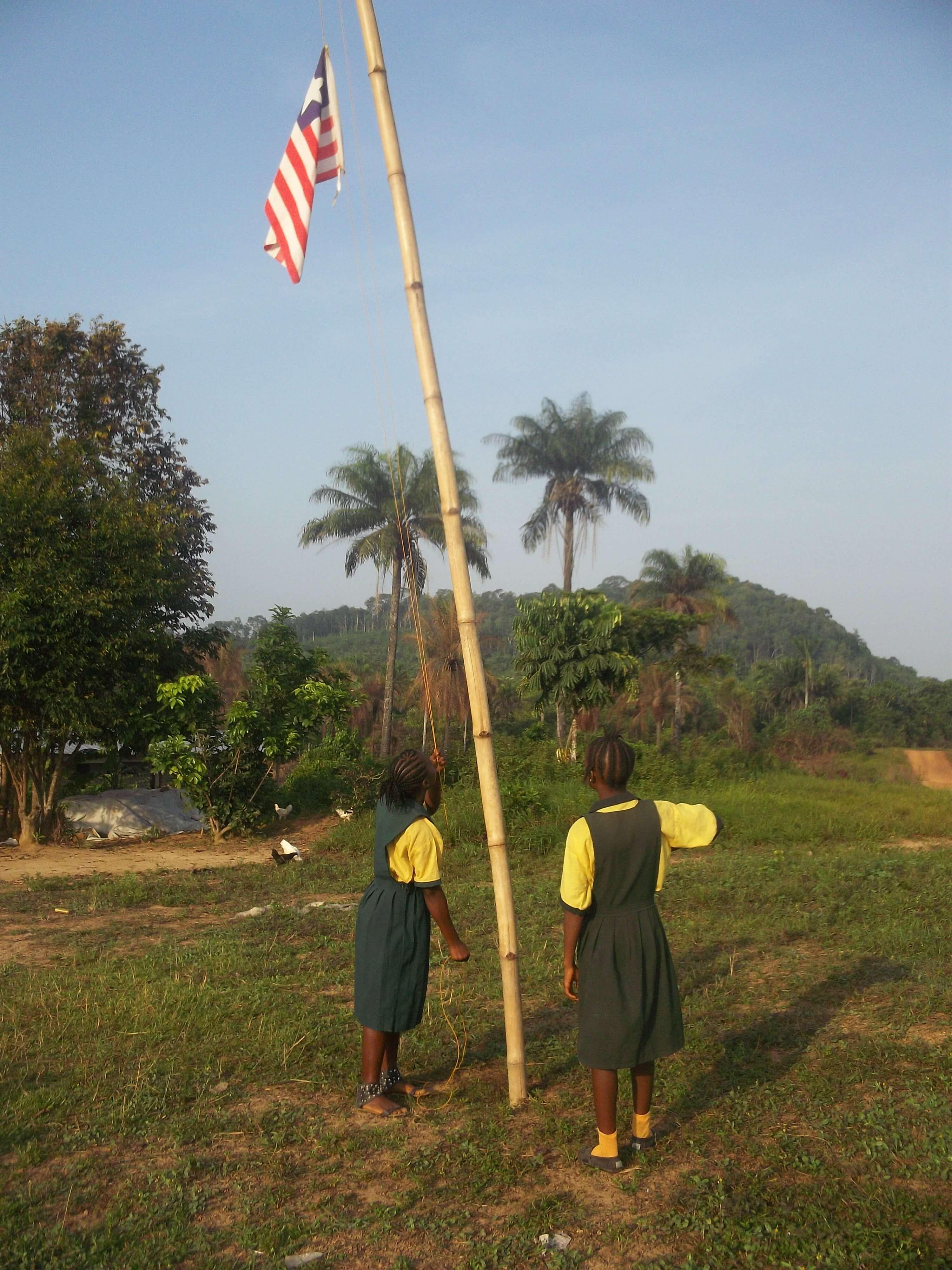 Et salut au drapeau !