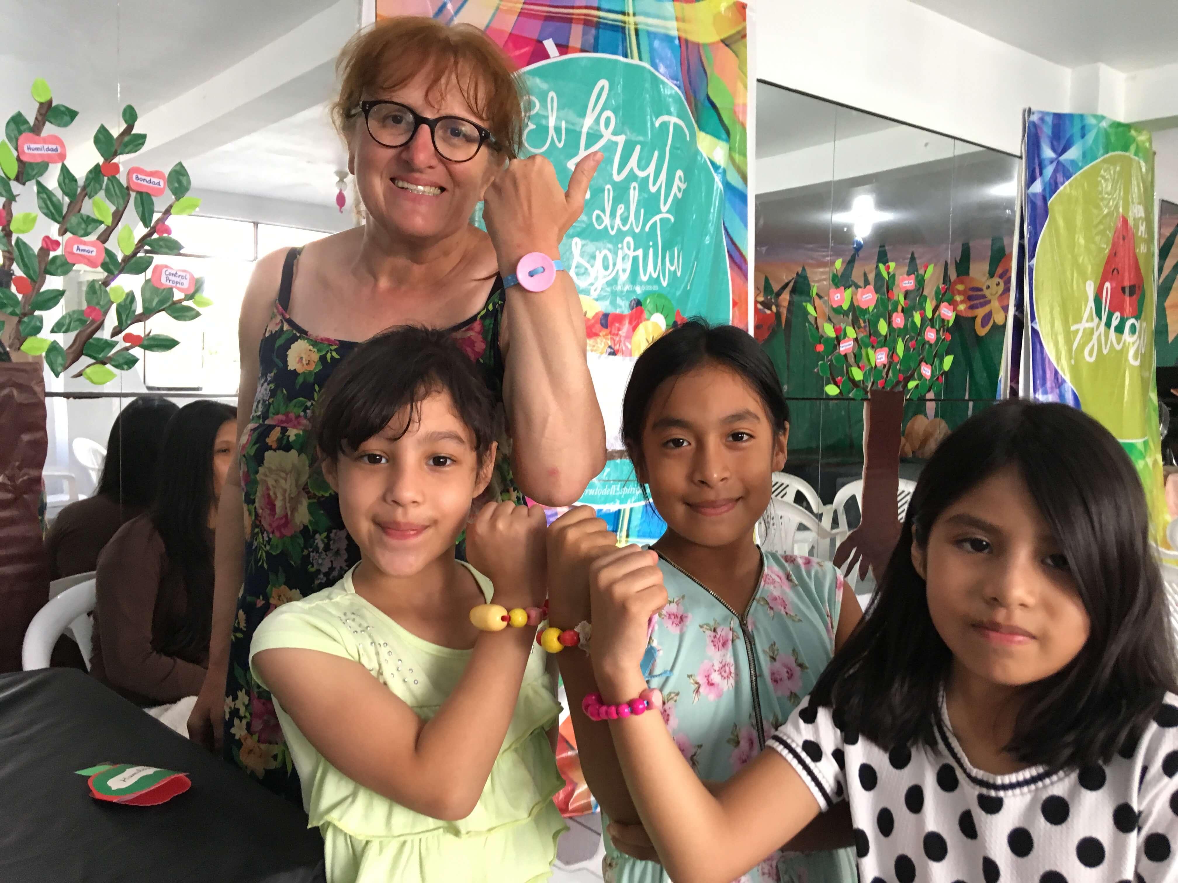 Club d'enfants avec Cathy, mon épouse