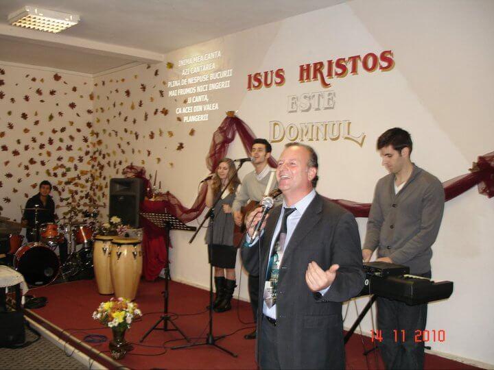 Partenariat avec l'Eglise Bob de Mustar à Bucarest. Ici le pasteur Daniel Parvu