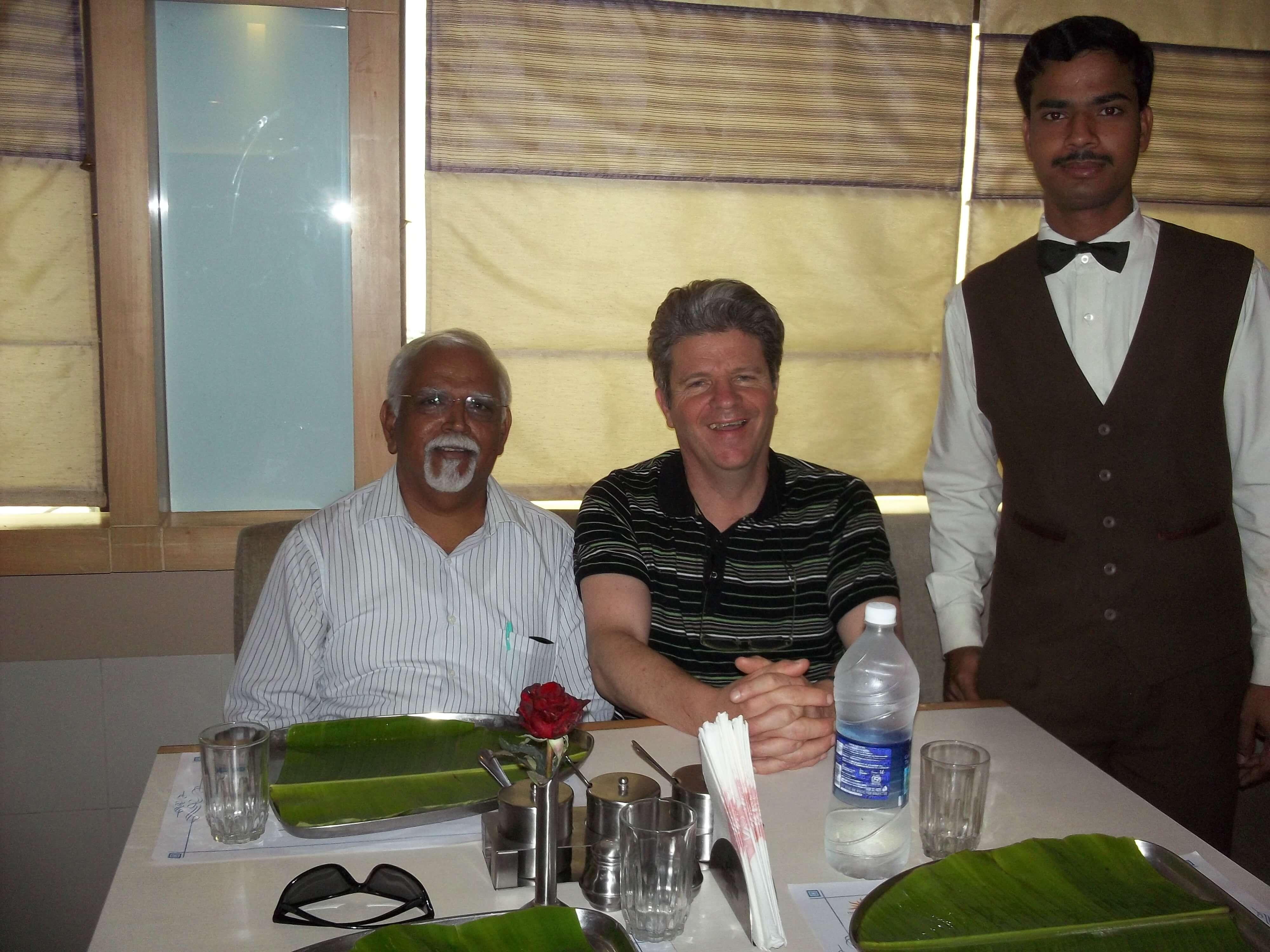 Mission à Bangalore en 2012, ici avec le président de Foursquare India